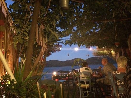 Kafenio Paparouna - Poppy's: view from table in Poppy's