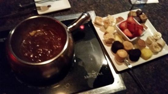 The Melting Pot: amazing chocolate smores dessert