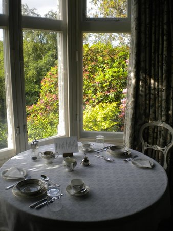 Parsonage House Bed and Breakfast: Table for two for breakfast