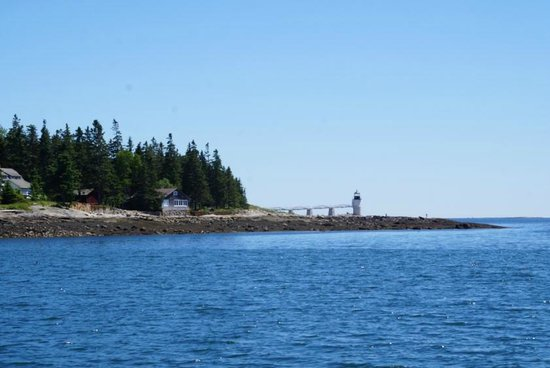 Monhegan Boat Line: Great views of Marshall Point Lighthouse