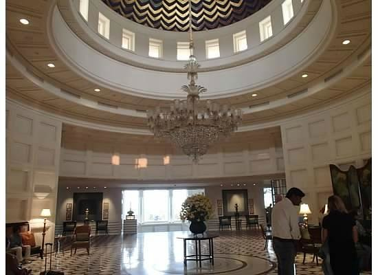 The Oberoi Amarvilas: The lobby
