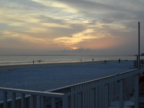 Sandpiper Gulf Resort: Deck view