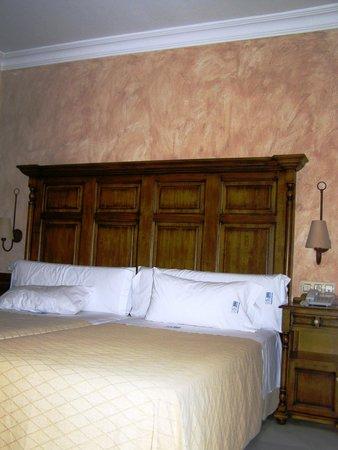 Hacienda Posada de Vallina : comfortable twin beds