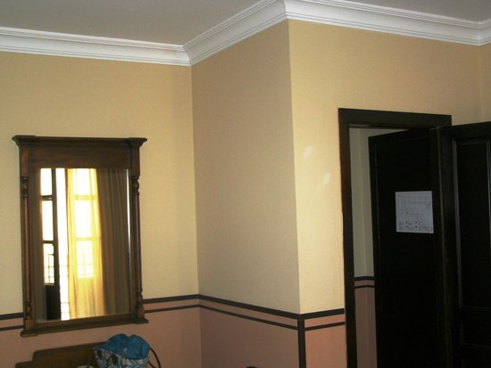 Hacienda Posada de Vallina: spacy twin room