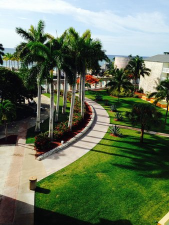 Memories Grand Bahama Beach and Casino Resort : View from our balcony