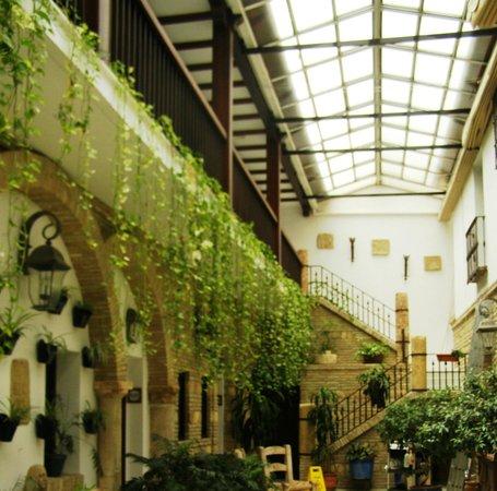 Hacienda Posada de Vallina: inner yard