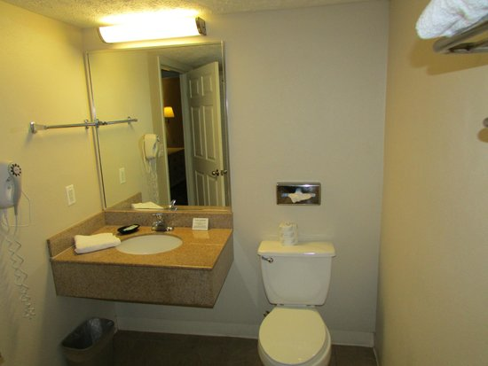 Legacy By The Sea: King Suite Bathroom
