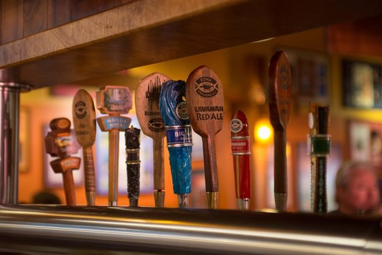 Kona Brewing Company Pub & Brewery : Tap Handles Tell the Variety Story