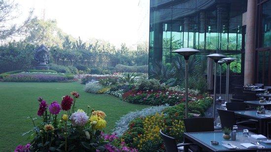 The Leela Palace New Delhi: Gardens