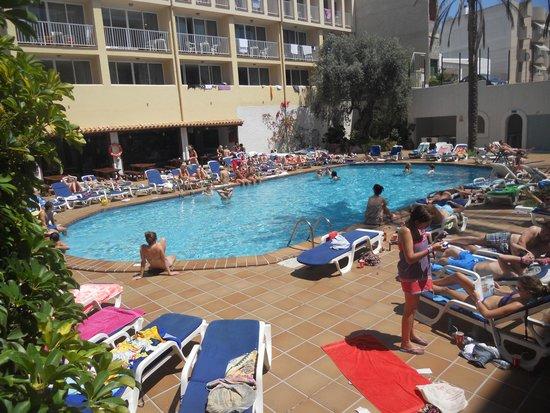 Ibiza Rocks Hotel: бассейн