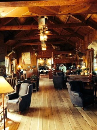Sylvan Lake Lodge: GREAT ROOM/LOBBY