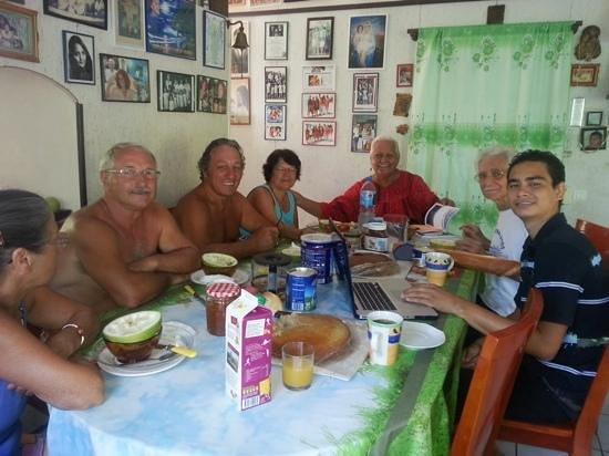 Pension Chez Rosina: Petits dejeuner avec des pensionnaires