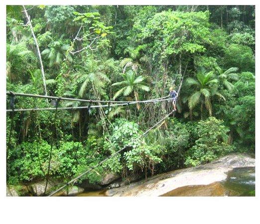 Pousada das Cachoeiras: ponte de três cordas
