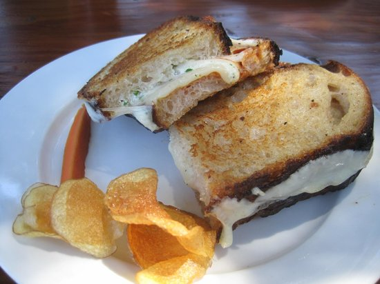 Big Sur Bakery & Restaurant: Awesome Grilled Cheese Sandwich