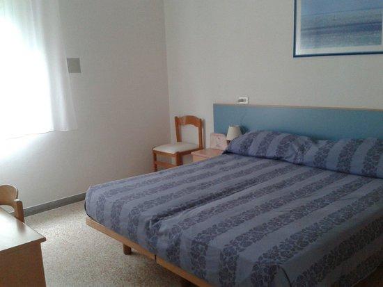 Hotel Sanremo : Una camera delle due comunicanti