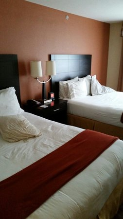 Holiday Inn Manassas - Battlefield: Comfortable beds.