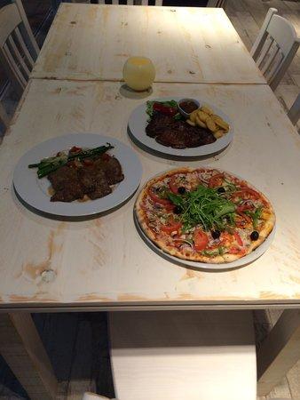Trattoria Portobello - Sotogrande: Dinner its ready...������
