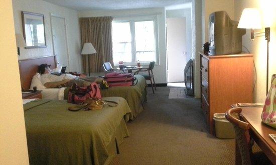 Quality Inn Creekside : Room Photo