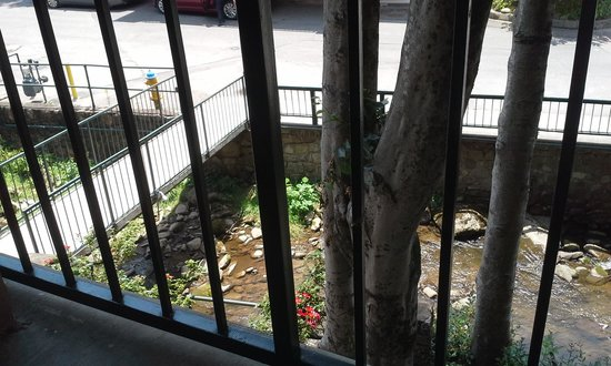 Quality Inn Creekside : Balcony view