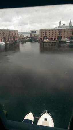 Premier Inn Liverpool Albert Dock Hotel: View of docks from 3rd floor
