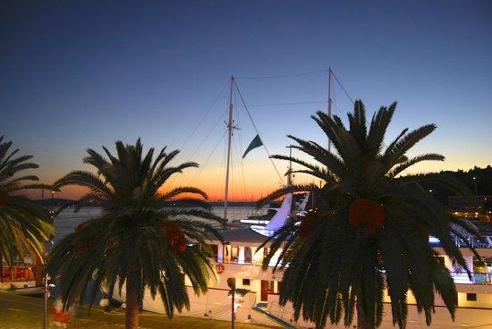 里瓦哈瓦爾遊艇港灣飯店照片
