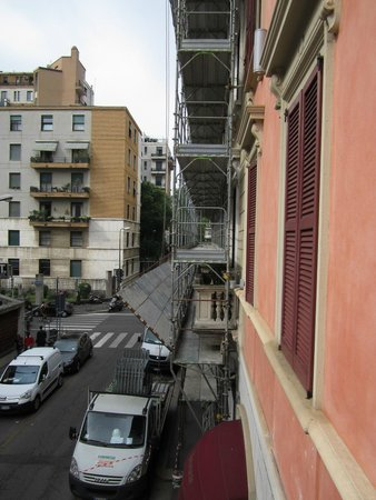 Hotel Sempione : Scaffolding and road works