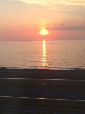 Holiday Inn Express Hotel & Suites Virginia Beach Oceanfront: View of sunrise from room