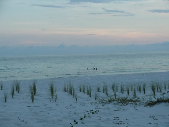 Okaloosa Island: Looking down the beach