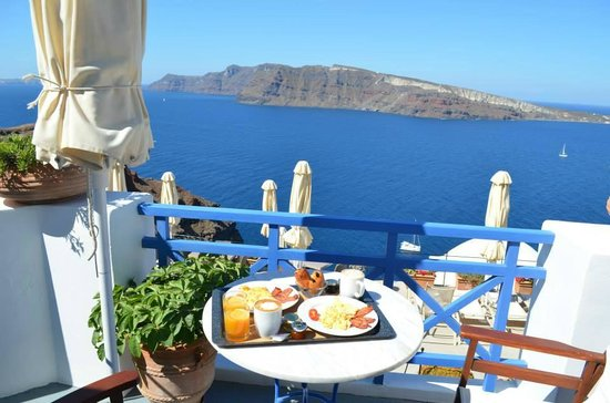 Esperas: Breakfast delivered each morning