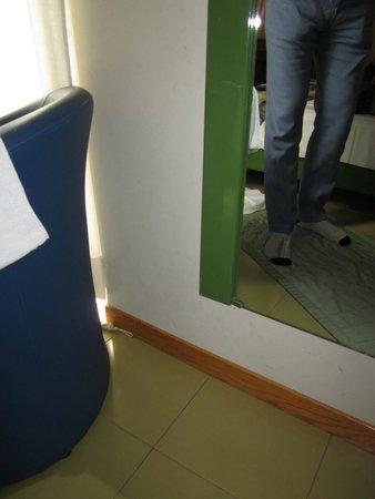 Hotel Sempione : Dirty room