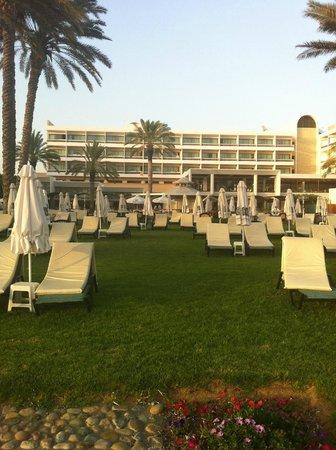 Constantinou Bros Pioneer Beach Hotel: view from sea