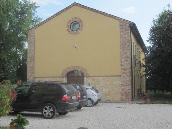 Agriturismo Fattoria Grimana: Apartments building