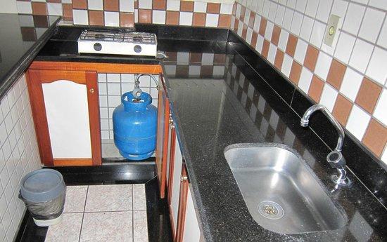 Boulevard Slaass Flat Hotel: Kitchen