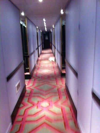 Thon Hotel Bristol Stephanie: Hal van de kamers (eerste verdieping)