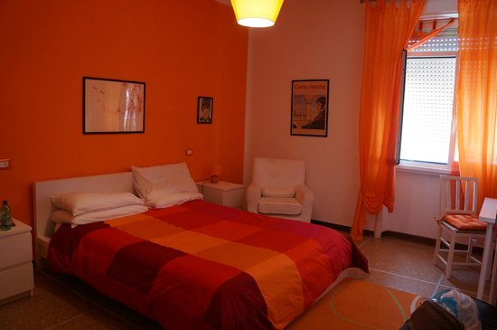 A Casa di Giallo: Orange room