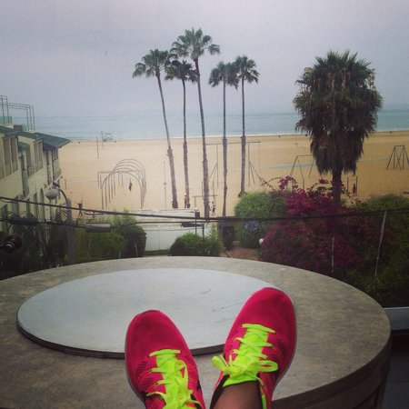 Loews Santa Monica Beach Hotel: Great view after breakfast on the patio