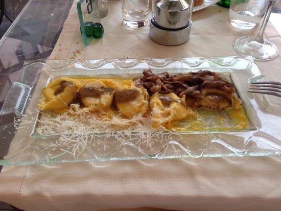 Tempio del Gusto: I tortelloni di ricotta e caprini con salsa allo zafferano