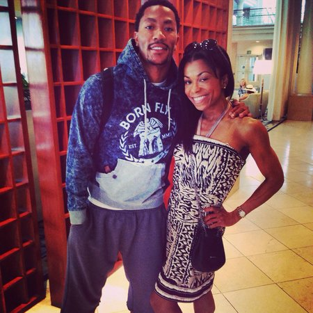 Loews Santa Monica Beach Hotel: Met Derrick Rose of the Chicago Bulls in the lobby!