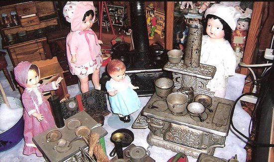 Elmer's Auto & Toy Museum: Antique Dolls