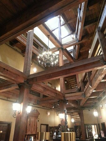 Ansonborough Inn: Don't forget to look up in the lobby