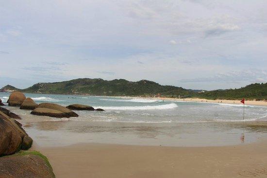 Vista de uma das pontas de Praia Mole