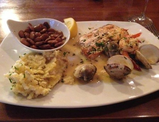 Acme Lowcountry Kitchen Picture Of The Wreck Seafood Dinner At Restaurant Exterior Isle Palms Sc