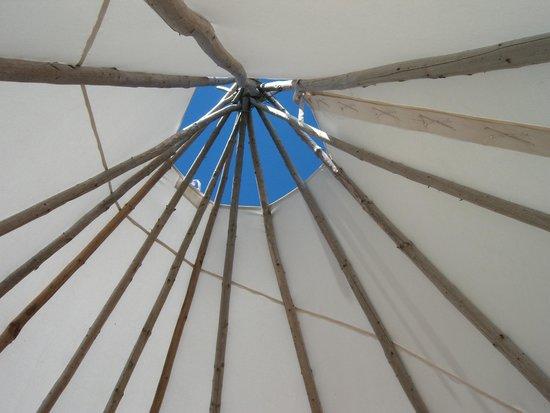 Port-Royal National Historic Site : Inside the wigwam