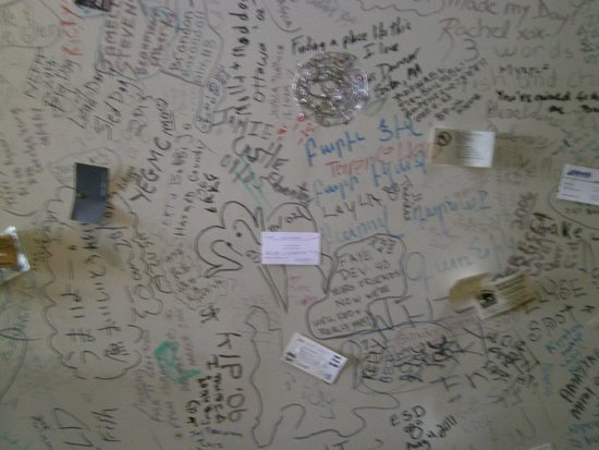 Bullocks' Bistro: Leave your mark on the walls and ceiling