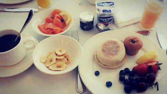 Old Mill Toronto : breakfast