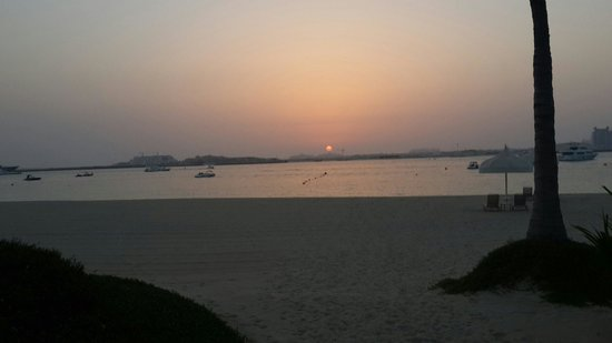 The Palace at One&Only Royal Mirage Dubai : View on beach at sunset