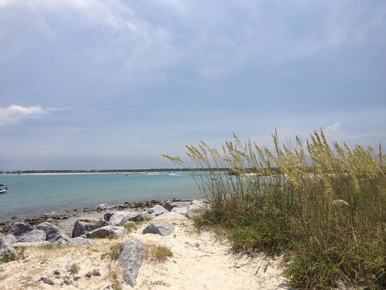 Ponce de Leon Lighthouse: Beach at Lighthouse Park