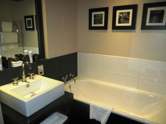 Malmaison Reading: Bathroom