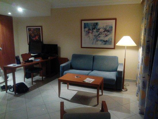 IFA Catarina Hotel : chambre salon