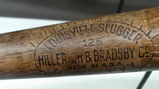 Louisville Slugger Museum & Factory : notches for home runs